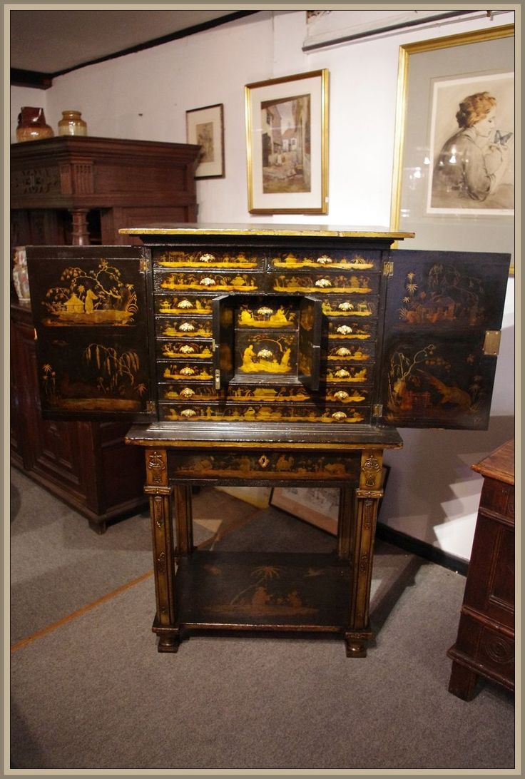 George III black lacquer and gilt cabinet on stand. Circa 1780 www.robinwheatley-antiques.co.uk