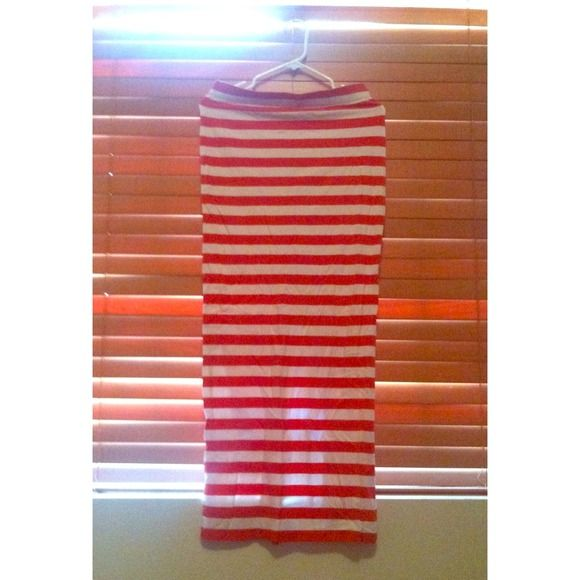 17 Terbaik ide tentang Striped Maxi Skirts di Pinterest