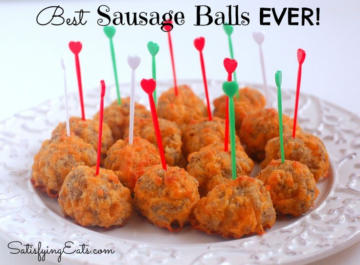 Best Sausage Balls EVER! These will be a hit at your Christmas and holiday party guaranteed! www.satisfyingeats.com