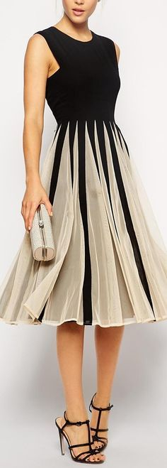 Women's fashion | Chic pleated dress, heels, clutch
