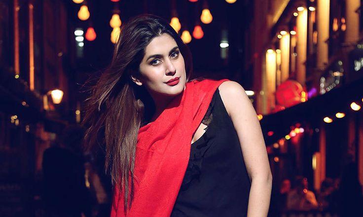 Na Maloom Afraad's Kubra Khan to make Bollywood debut with 'Welcome to Karachi' http://whilemusic.com/welcome-to-karachi-2015-18461