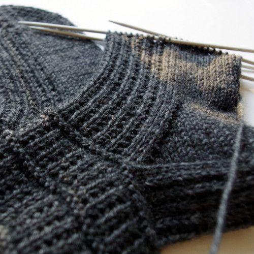 Unisex knitted socks