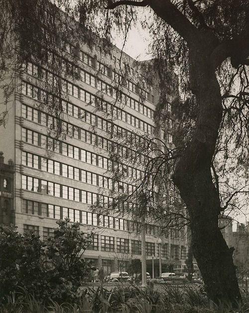 Wynyard railway buildings, c. 1935  Harold Cazneaux