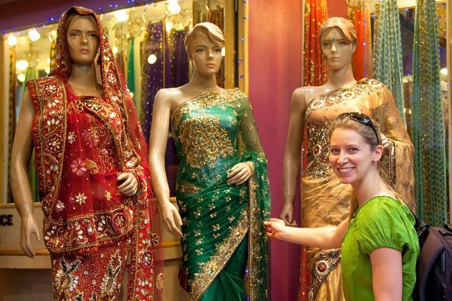 Buying a Sari in India: Essential Guide to Sari Shopping