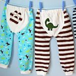 Baby/Toddler Pants: One size fits many! Knit bottoms (shorts or pants) with a cute bum applique. Free pattern pieces to download (pdf). Includes references to make a matching top.