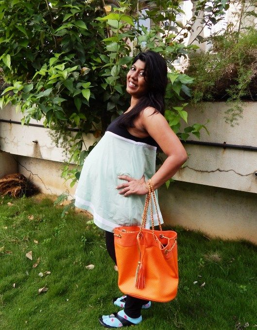 trendy fashionable maternity outfits during pregnancy -style file