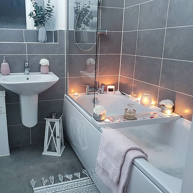 Nice Early Night For Me So I Don T Eat The Contents Of My Fridge Day One Of Bathroom Interior Design Small Bathroom Makeover Bathroom Design Small