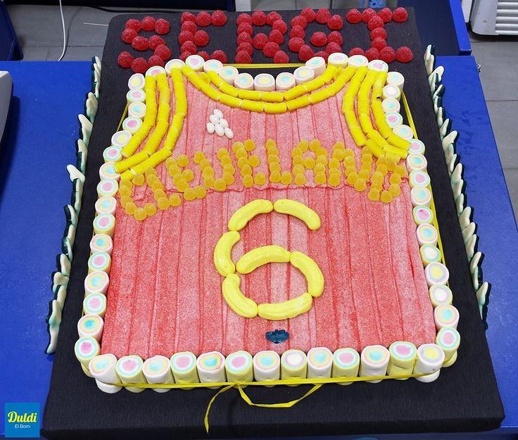Duldi el Born ha preparado esta tarta-camiseta de los Cleveland Cavaliers para el cumpleaños de Sergi, un seguidor de la NBA.