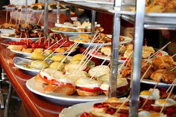 Chef Norberto Petryk, asesor en gastronomía: 500 recetas de pinchos -desde San Sebastián, España-