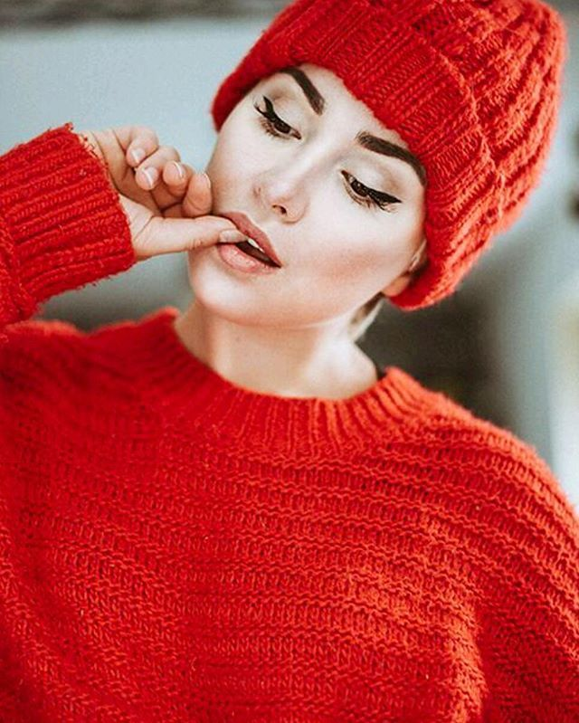 Partner in Crime  Mütze +Pulli  #theyarereal  #partnerincrime #red @benefitcosmetics #realsies #blogger #benefitcosmetics #benebabe #allred #allredeverything #fashion #beauty #lifestyle