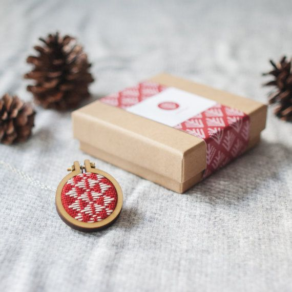m i n i a t u r e | そろばん Celebrate this festive season with a handmade accessory that embodies the beauty of winter times.