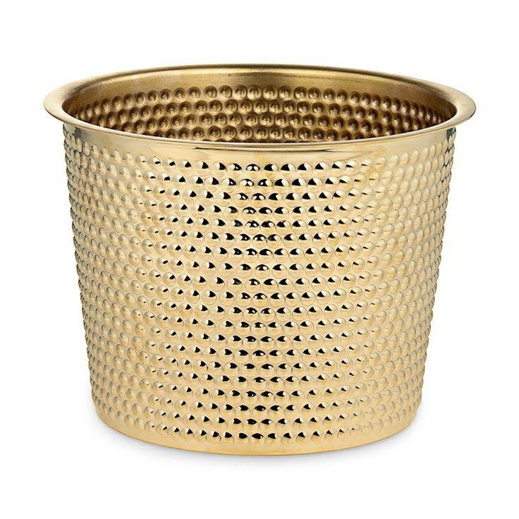Pot Hortus Brass Intermediate http://www.svenskttenn.se/sv-se/product/0121/botanik/ga11468/kruka-hortus-massing-mellan.aspx