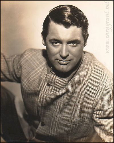 I swear, when you look up the words dashing and debonair in the dictionary, Cary Grant's picture should be the definition..lol