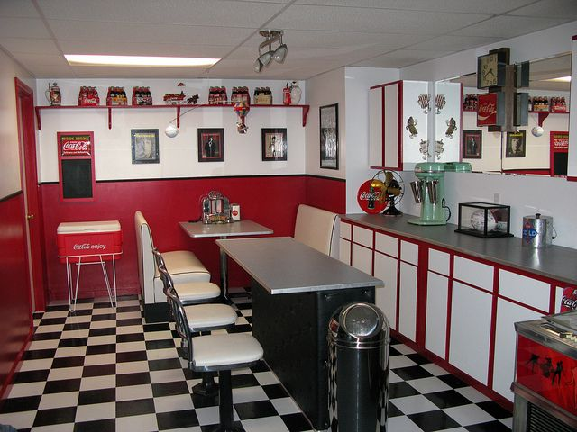 If we ever have a basement, a 50's diner theme would be awesome!