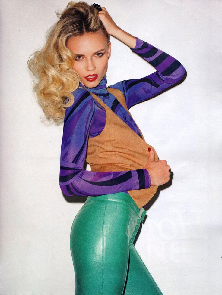 Natasha Poly - Rochas leather pants