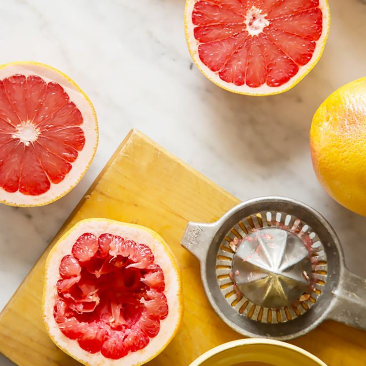 Watch this video to learn how to make a healthy, quick, and delicious breakfast that also keeps your skin glowing. Ah, the endless greatness of grapefruit.