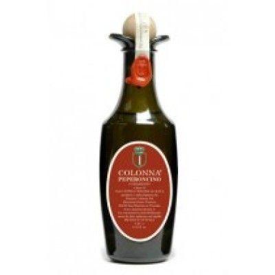 Colonna Peperoncino - Chili olivolja, 55 ml Torkad krossad chili blandad med Marina Colonnas underbara olivolja. Prova den över pasta eller droppa den öven en klassisk minetrone eller kanske över en bönsoppa.
