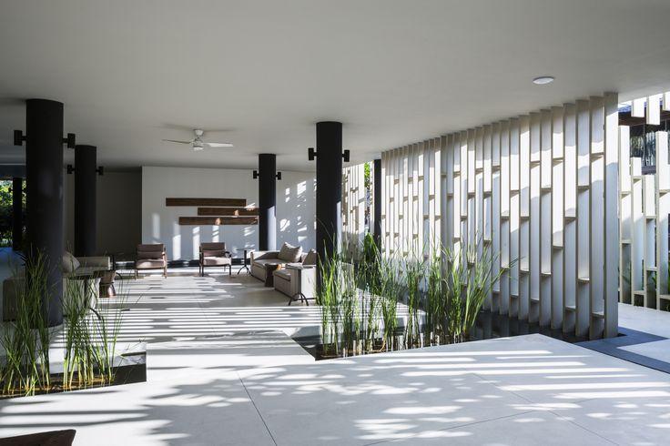 Image 8 of 22 from gallery of Naman Spa / MIA Design Studio. Photograph by Oki Hiroyuki