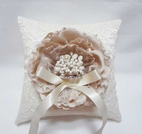 Gorgeous wedding ring pillow Greyish Pink Bloom on Cream Lace Pillow. $35.00 via Etsy & 143 best Wedding ring pillow images on Pinterest   Ring pillows ... pillowsntoast.com