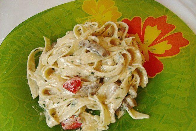 Retete Culinare - Tagliatelle cu ciuperci