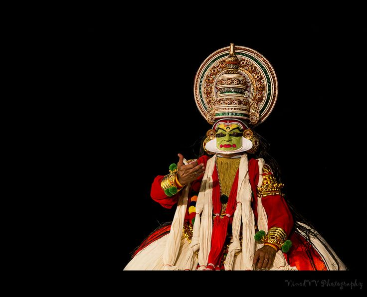 #DesiIs the most expressive Kathakali dance!