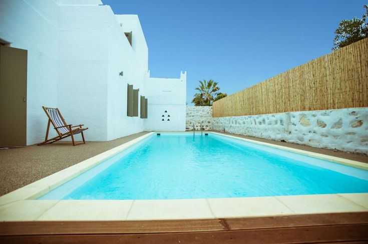 Holiday villa rental in Paros. Luxury Private home with pool in Naousa,Paros. This exceptionally private home is set outside the beauti...