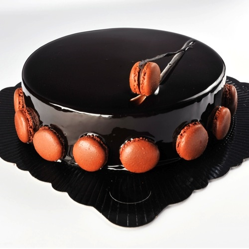 gâteau à la ganache au chocolat avec macarons / choclat ganache cake with macarons