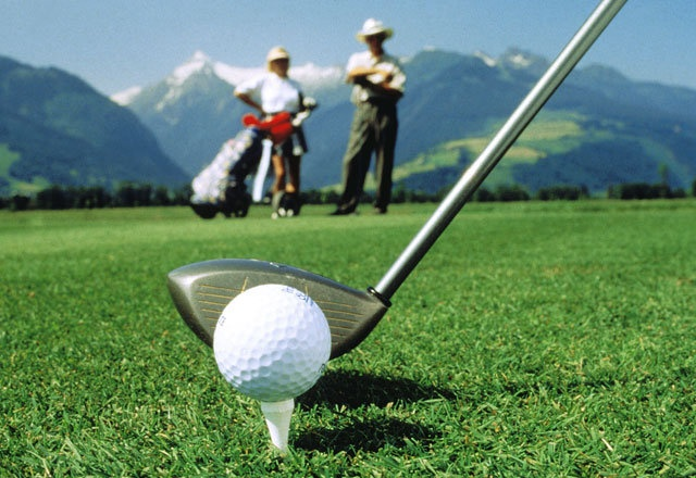 Golfurlaub im Salzburger Land  http://www.hotel-sonne.at/golfschule-saalbach.de.htm