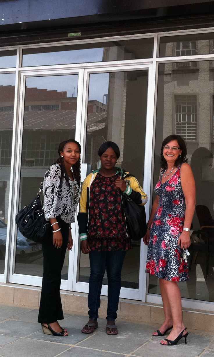 Thuli Mthembu and Rene Steward of our Johannesburg office have closed a deal with Hililtrading. They are a new African food business who are now occupying a 70 square metre premises. In the photo above is Ntseleng from Hililtrading in the middle with the Thuli and Rene on her left and right respectively.
