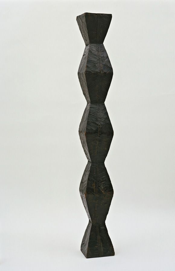 Endless Column, 1918 Brancusi.  I love Brancusi.  Chêne, 203,2 x 25,1 x 24,5 cm