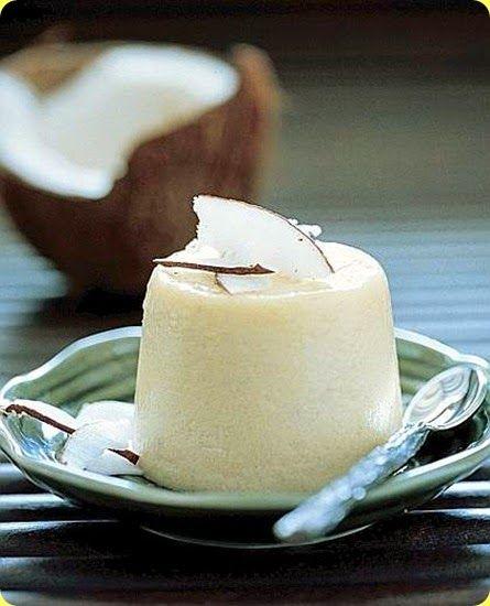 Quindim, è un dessert tipico brasiliano simile al creme caramel ma fatto con una crema a base farina di cocco.