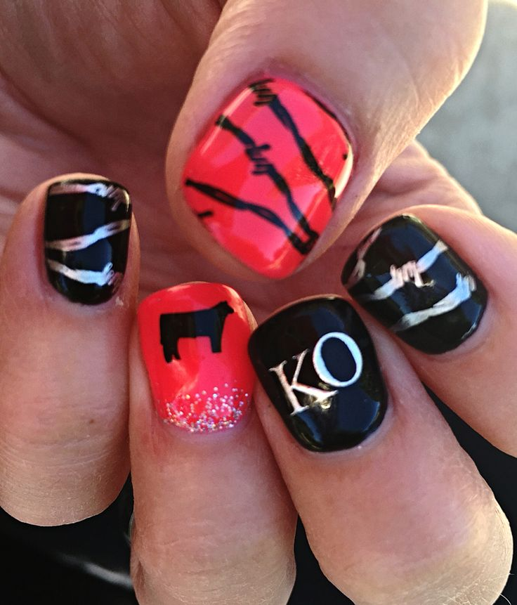 Hot pink & black cowgirl western nails - ranch brand, steer, and barbed wire! So fun!