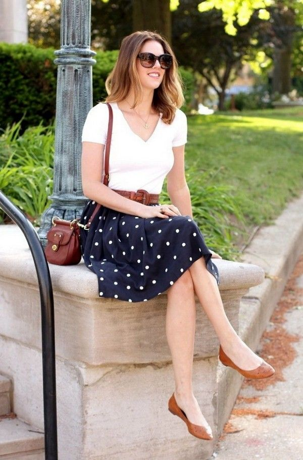 Love this look, not sure about the white top. love the skirt though and it could go with another color tshirt