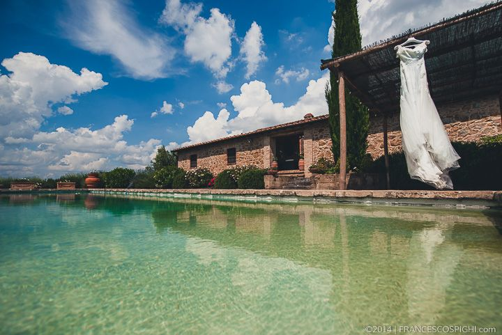Tuscany Wedding Photographer | Italy | Val d'Orcia | The Wedding Dress | Art | Fine Art