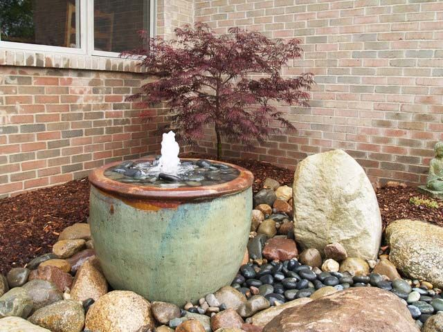 Outdoor Water Fountains for Garden & Patio, very Decorative!