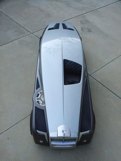 Rolls-Royce Concept craxzy design would'nt really be street legal in the #USA becuase of windshield
