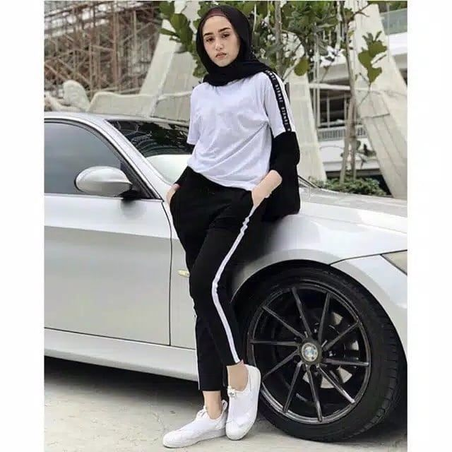 35 000 Zara Pants Celana Strip Zarra Bahan Milano Crepe Ukuran Allsize Fit To L Panjang Celana 86cm Lingkar Pinggang Sebelum Melar Zara Celana Hitam