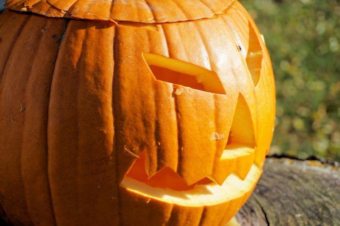 Happy Halloween!  Deze snoepjes zijn niet wat je denkt ! http://nl.metrotime.be/2016/10/28/must-read/meer-trick-dan-treat-6-niet-zo-mainstream-halloweensnoepjes/