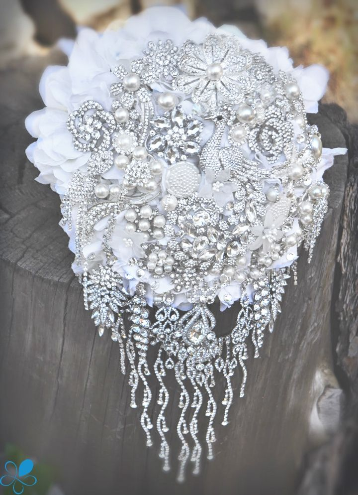 In Cascata - Blue Petyl Bouquets #wedding #bouquet