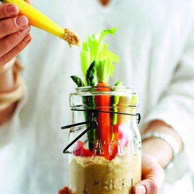 Crudites jars with moroccan hummus - photo Michael Alberstat | Chatelaine