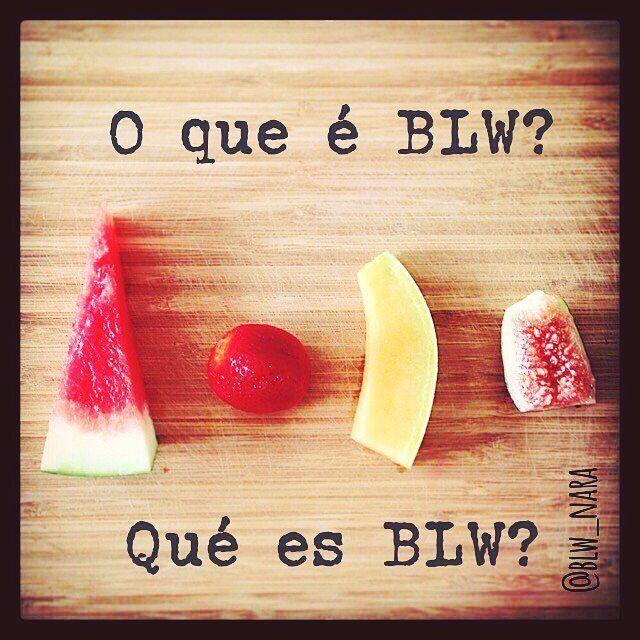 """Informações corretas a gente precisa espalhar! De Madrid #repost do @blw_nara  1/30 O͟ Q͟U͟E͟ é B͟L͟W͟? A ideia chave para entender o #BLW é #autonomiadobebê. A proposta deste método de #introducaoalimentar é permitir que o bebê  seja o protagonista do processo e explore os alimentos sozinho desde o começo.  #BabyLedWeaning (""""desmame guiado pelo bebê"""") seria a etapa seguinte da #amamentaçãoemlivredemanda. Assim como o bebê é capaz de se autorregular e decidir QUANDO e QUANTO mamar durante..."""