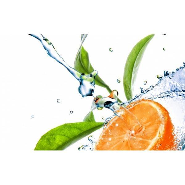 """Душистая вода """"Апельсин"""", 100 мл Душистая вода сможет освежить вас жарким днём, предать приятного и нежного аромата. А ещё она увлажнит вашу кожу, уберёт неприятный жирный блеск! #чистка_лица #очищение_пор #красивая_кожа#органическая_косметика#натуральная_косметика #экологически_чистый#не_вызывает_аллергию #подтягивает_кожу #омалаживает #питает_кожу"""