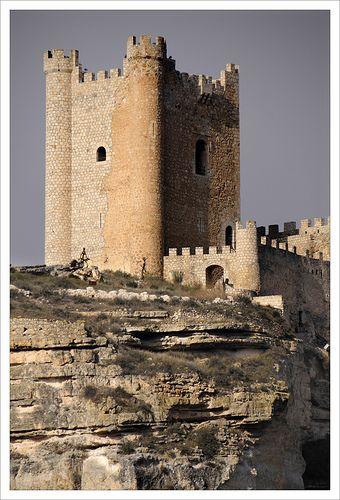 Alcala+del+Jucar,  España  https://www.pinterest.com/sinag47/castillos-de-espa%C3%B1a/