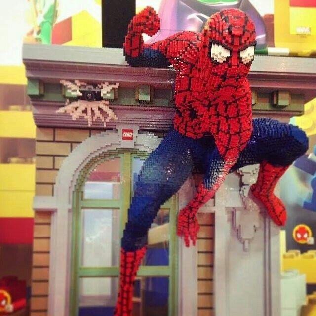 Lego Spiderman sculpture | LEGO | Pinterest | Lego ...