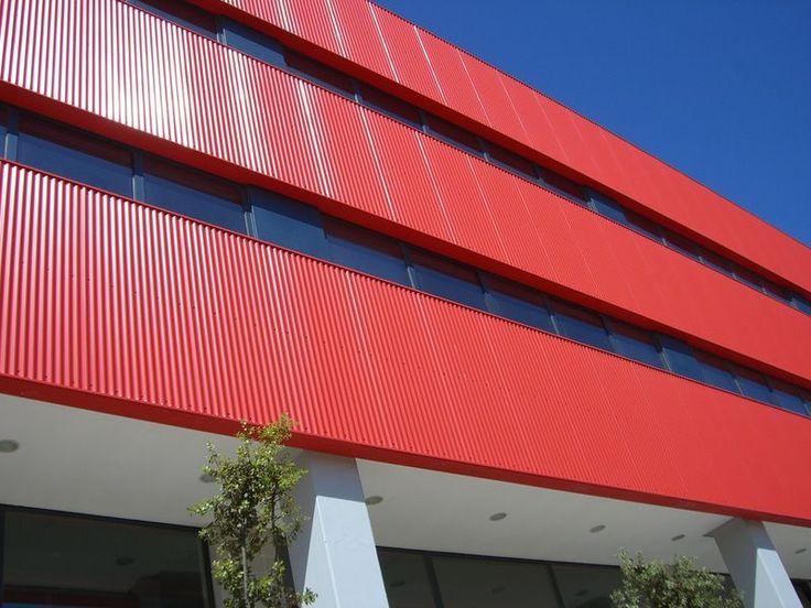 Fachadas metálicas > Chapa simple, Sandwich, Arquitectónicas, Bandeja metálica > Fachadas industriales | Sumuve S.A.