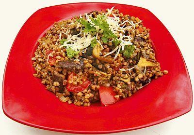 Podzimní sezóna vybízí k receptům s lesními houbami. Zkuste jimi obohatit pohankové rizoto!