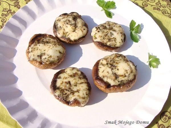 Smak Mojego Domu: Pieczarki z grilla, faszerowane mozzarellą