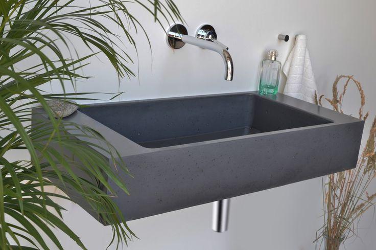 Concrete washbasin Gravelli Slant 06 Single in anthracite variant.