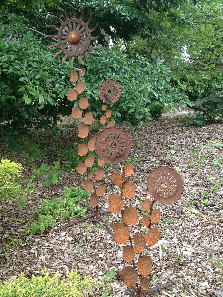 Cool Garden Art.