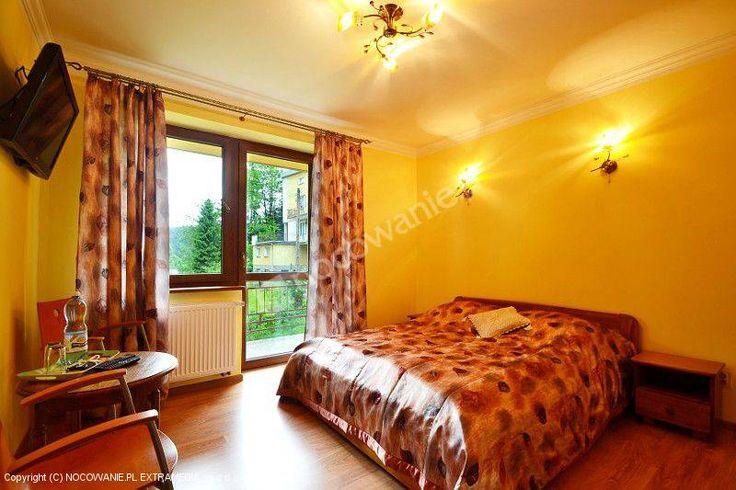 Wypoczynek w komfortowych pokojach w jednym z pięknych zakątków w Krynicy Zdrój. Szczegóły oferty: http://www.nocowanie.pl/noclegi/krynica_zdroj__krynica_gorska/kwatery_i_pokoje/121078/
